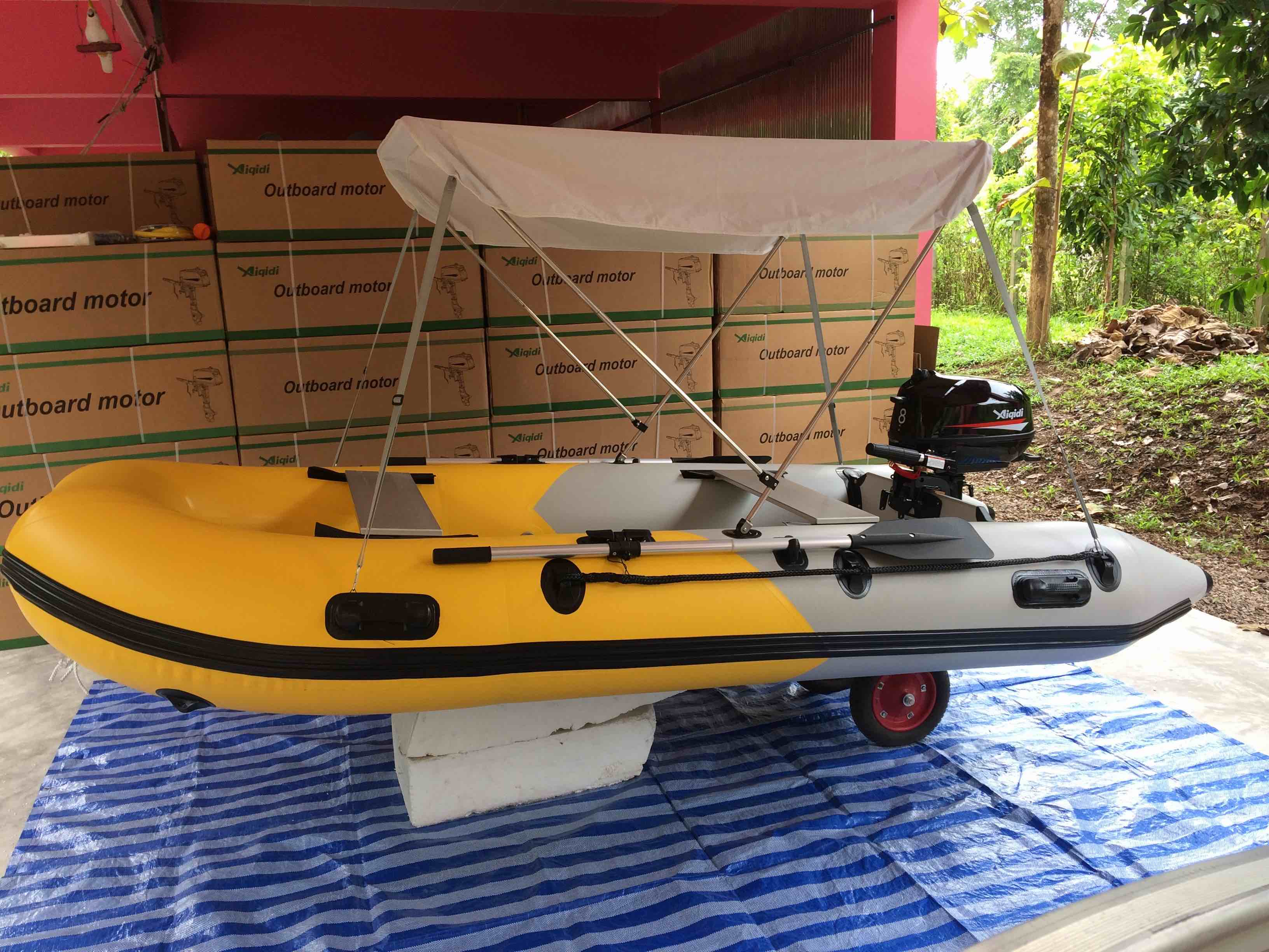Inflatable boat package: 3.30m inflatable with 8hp 4 stroke outb